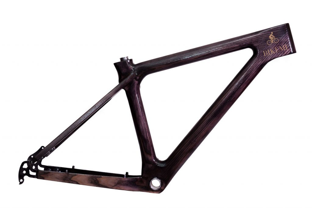 Dreveny-ram-na-bicykel-BIKEMI-Wooden-Explorer-29-Boost-dark