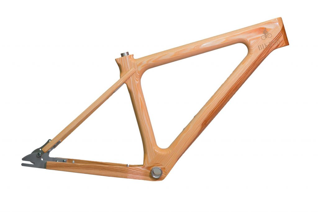 Dreveny-ram-na-bicykel-BIKEMI-Wooden-Gentleman-Natural