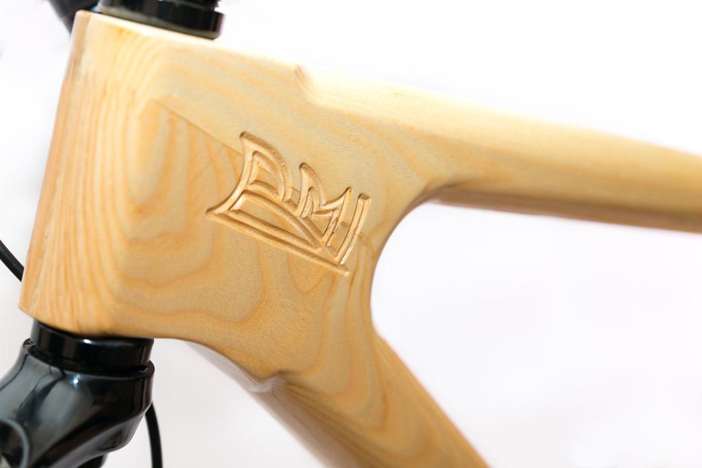 Horský drevený bicykel BIKEMI Wooden Explorer Natural 27,5 detail 2