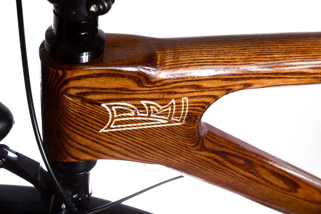 Mestský pánsky drevený bicykel BIKEMI Wooden Gentleman brown hnedý detail 3