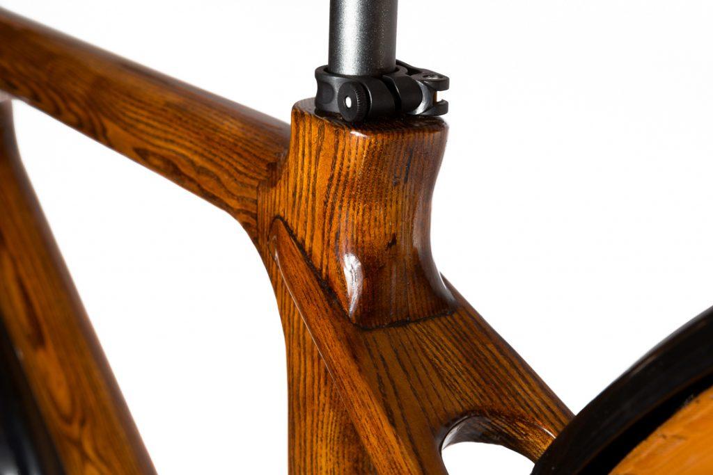 Mestský pánsky drevený bicykel BIKEMI Wooden Gentleman brown hnedý detail 4