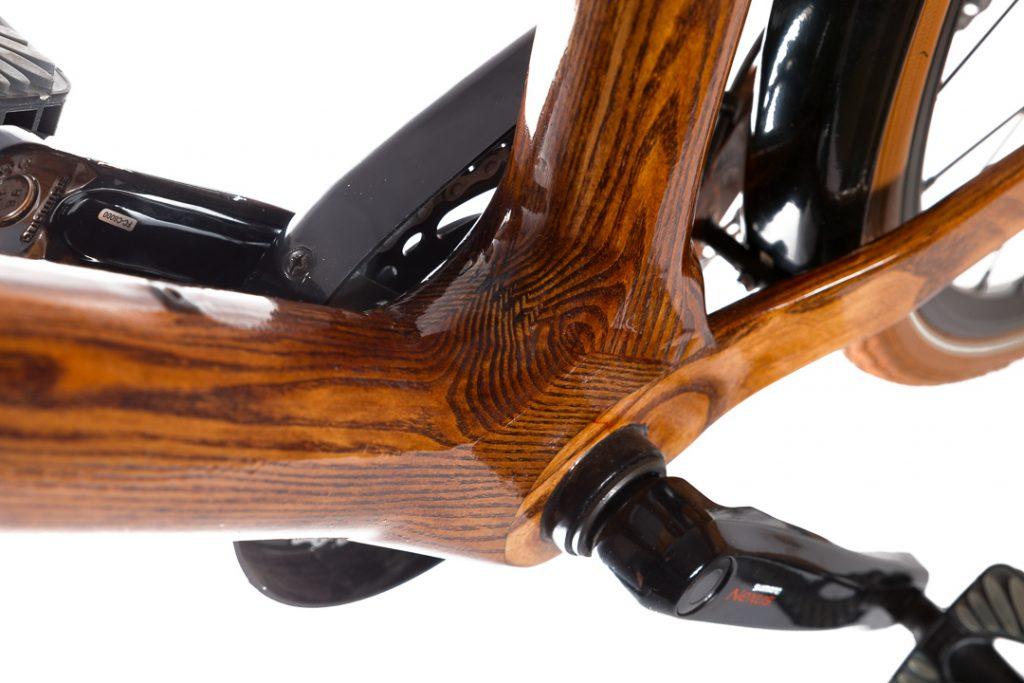 Mestský pánsky drevený bicykel BIKEMI Wooden Gentleman brown hnedý detail 5