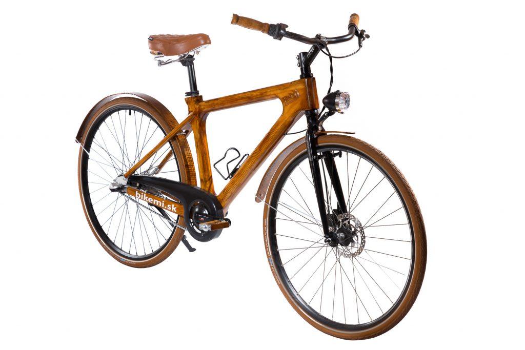 Mestský pánsky drevený bicykel BIKEMI Wooden Gentleman brown hnedý s drevenými doplnkami detail1